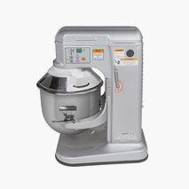 Mixer 9,5 l, 230 V / 650 W. Visp, deigkrok, flatikser og vakt inkludert.