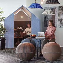 The Hut med frontskärmar - Ljudabsorberande rum