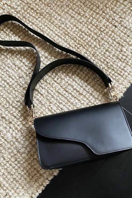 Assisi Shoulder Bag