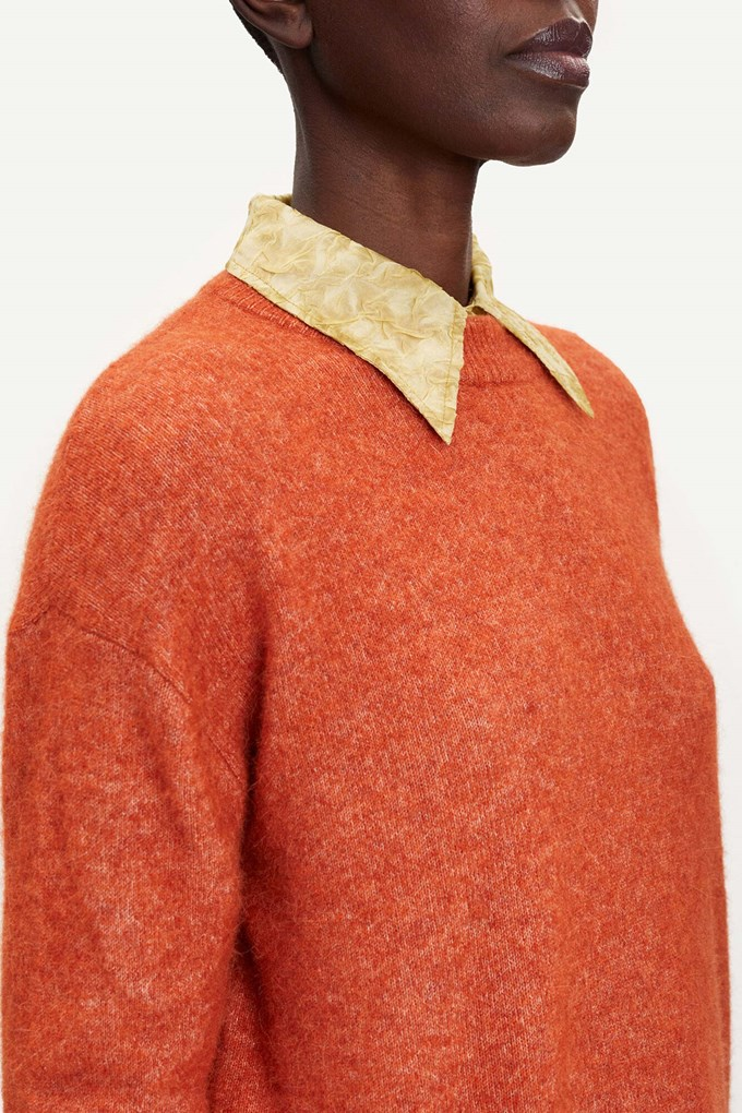 Anour o-n knitwear