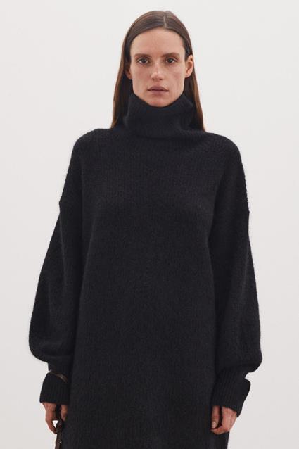 Derina Knitwear