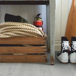 Laminatgulv Pergo Modern Plank 4V Sensation Limed Grey Oak Living Expression