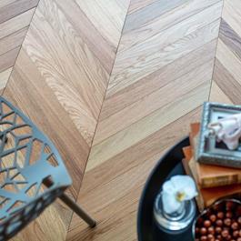 Trægulv Nordic Floor Eg Sildeben Chevron Natural 45° Mat Lak
