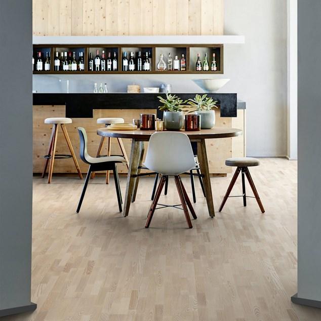 Trægulv Kährs Ask Copenhagen hvid matlak 3-stav (Vanilia)