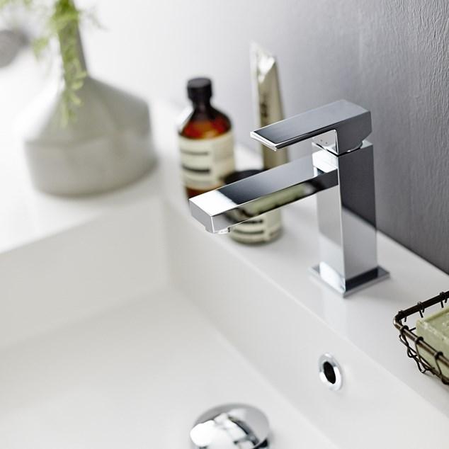 INR STRICT Håndvaskarmatur Blankt Krom.