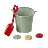 Beach set - shovel, bucket, shells