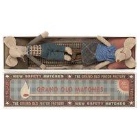 Grandma and grandpa mouse